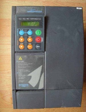 西威SIEI变频器 伺服驱动变频器 维修图片