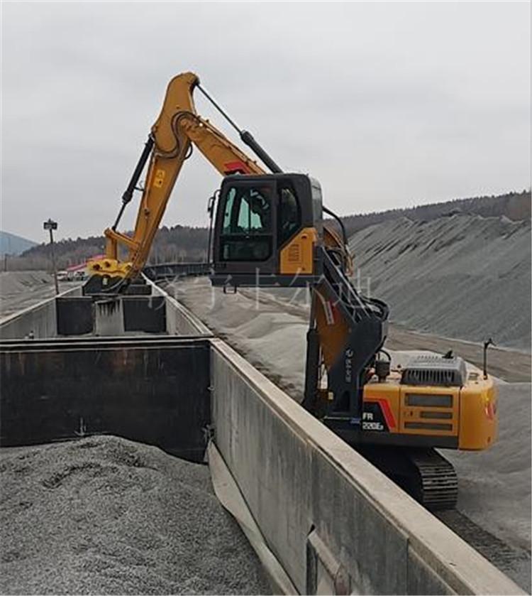 挖掘机升降驾驶室改装 火车平厢 高视线