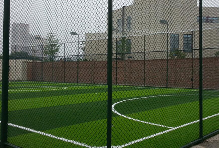 青岛球场围网体育场防护栏操场围网工艺优
