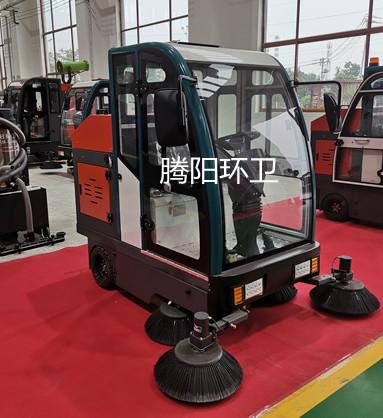 水泥厂使用腾阳电动扫地车的优点