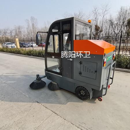 电动驾驶式扫地车的功能及使用特点
