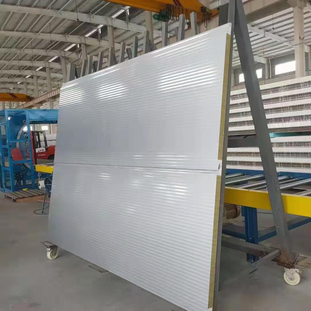 郑州 1000mm方波聚氨酯岩棉墙角转角夹芯板图片